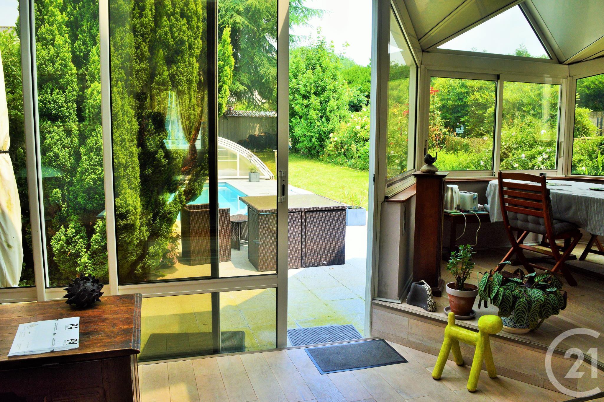 maison vendre 6 pi ces 140 m2 vannes 56 bretagne. Black Bedroom Furniture Sets. Home Design Ideas